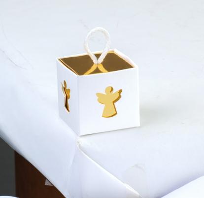 "Kinkekarp akendega ""Ingel"", kuldne-valgega (5x5x5 cm)"
