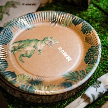 """Taldrikud """"Dinosaurused džunglis"""" (8 tk./23 cm)"""