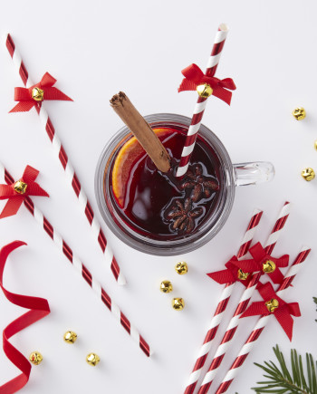 Kalėdiniai šiaudeliai su varpeliu, raudoni dryžuoti (10 vnt.)
